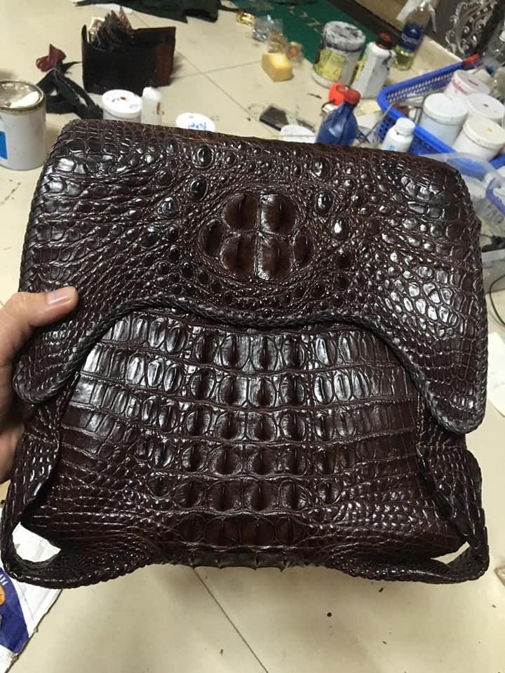 Túi đeo chéo da cá sấu đan viền HBTDCDCS01
