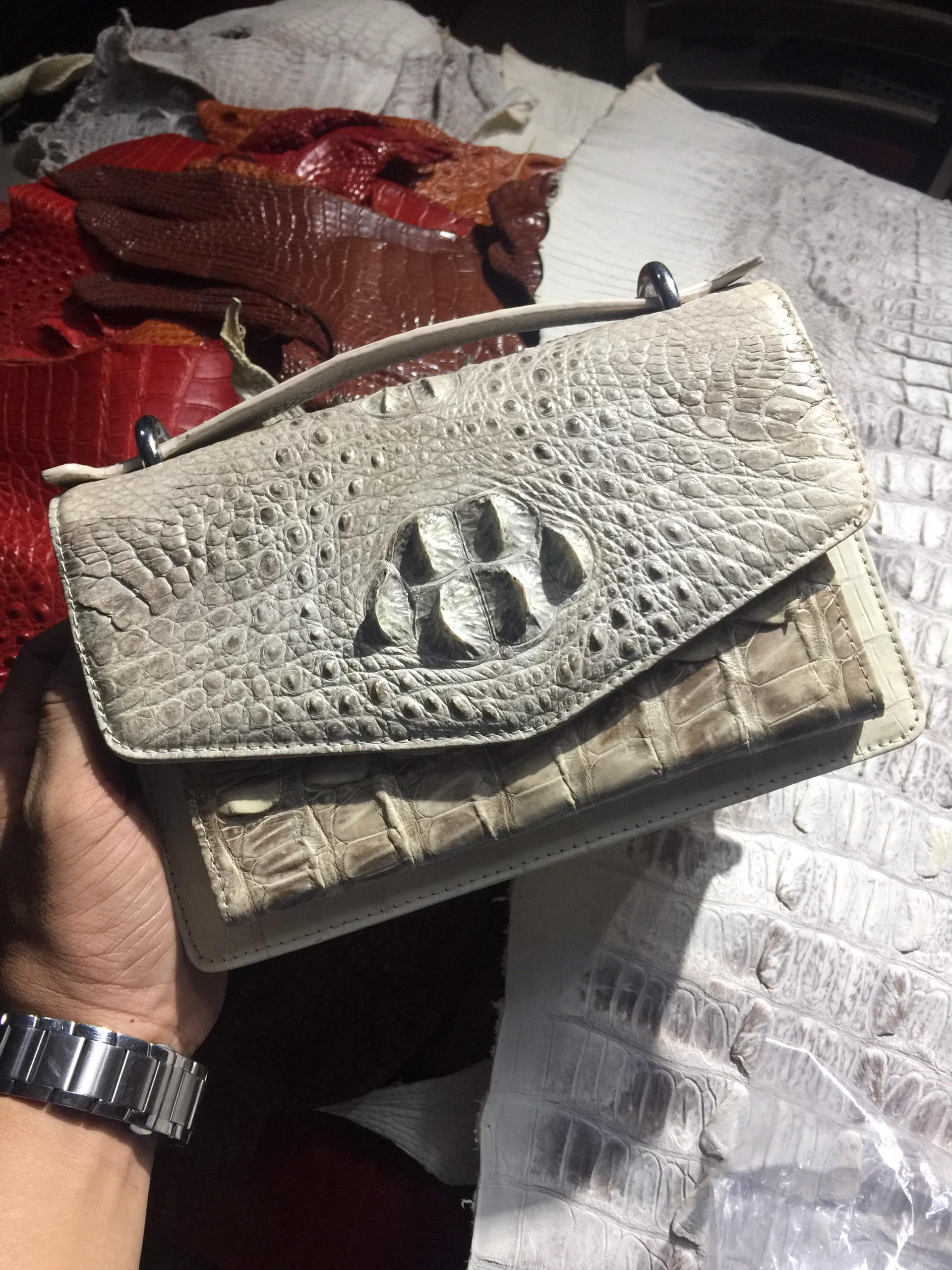 Túi đeo chéo Phong Thư Da Cá Sấu HBTDCDCSN03